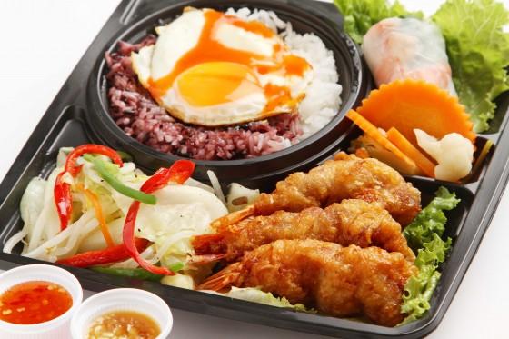 『海老の肉巻きご飯』